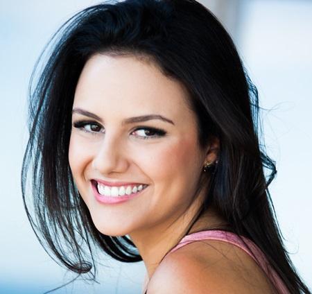 3cee1a4c9 No dia 7 de novembro, ela volta a Goiânia para lançar o filme Solidões, do  cantor Oswaldo Montenegro, da qual é a protagonista de um dos episódios.
