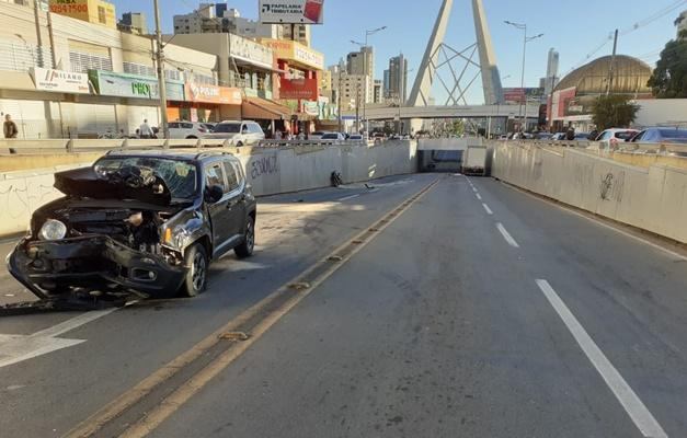 Motociclista morre em colisão frontal na Avenida 85, em Goiânia